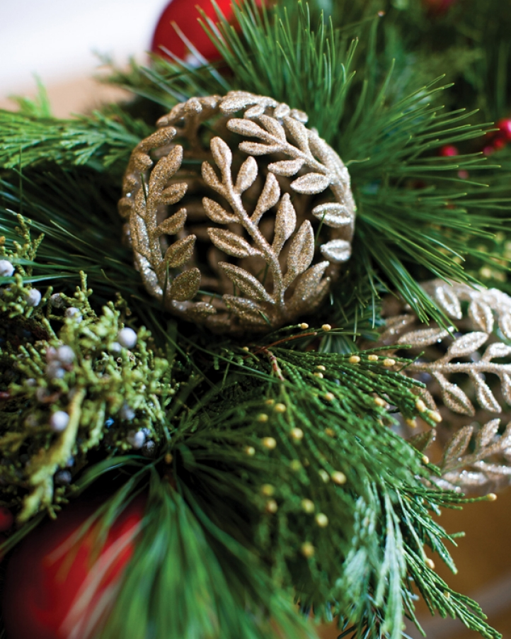 Four Seasons Hotel Hampshire floral designer Russell New to host Christmas Wreath-Making Workshop