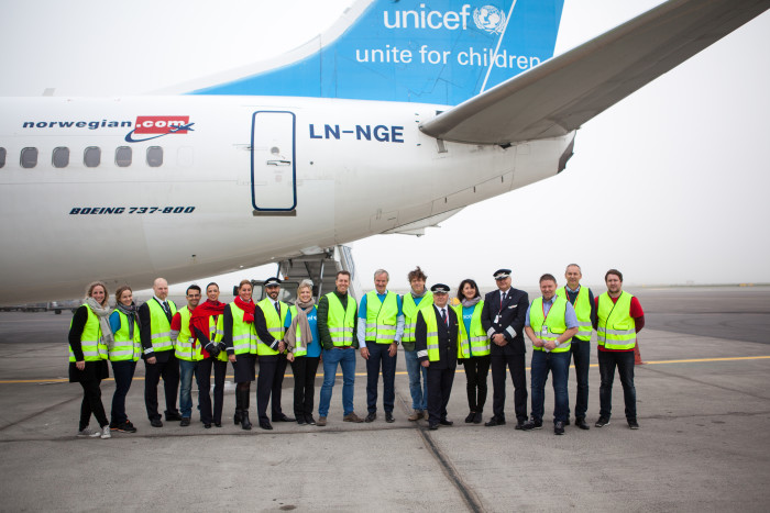 Norwegian, UNICEF sent aircraft fully loaded with school supplies and emergency aid to Jordan for Syrian refugee children