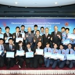 Director General of Civil Aviation Norman Lo (eighth from right, middle row), Dragonair CEO Patrick Yeung (seventh from right, middle row), Hong Kong Air Cadet Corps Commanding Officer Group Captain Lee Kwok-wing (sixth from left, middle row), and Dragonair General Manager Operations Captain Peter Sanderson (sixth from right, middle row) with graduates of the 2012 Dragonair Aviation Certificate Programme.