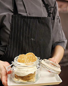 Pumpkin pie in a jar is perfect for holiday gifts and parties