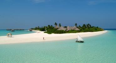 Maldives: 10 day Yoga Retreat at Coco Palm Dhuni Kolhu this June by German Yoga Guru Birgit Feliz Carrasco