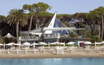 "Hotel Cala del Porto launched its new beach club ""La Vela"""