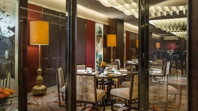 Zhuo Yue Xuan of Four Seasons Hotel Shenzhen won the 2014 Hurun Presidential Award for Top Chinese Restaurant
