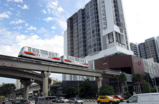 Bombardier INNOVIA automated people mover enters service in Singapore