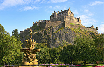 Qatar Airways to fly daily to Scottish capital Edinburgh
