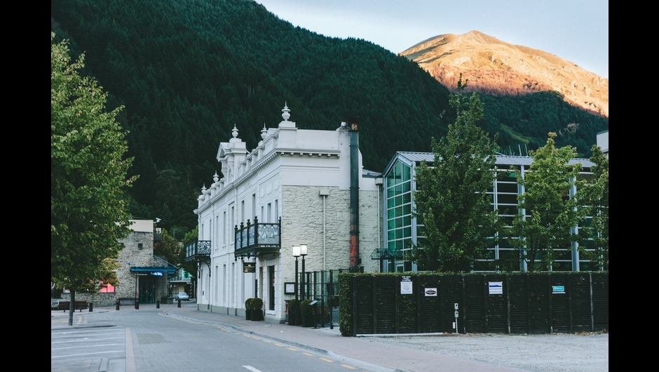 New Zealand Tourism: Eichardt's Private Hotel named 'world's best ski resort hotel' at the 2014 World Luxury Hotel Awards