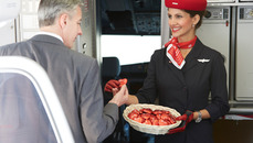 airberlin guests on short and medium-haul flights to receive the new chocolate heart by Lindt from 8 April