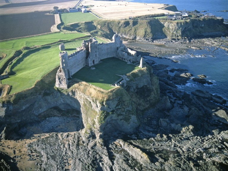 Historic Scotland: See behind the scenes of live archaeological dig on 12 and 13 September, Tantallon Castle Uncovered