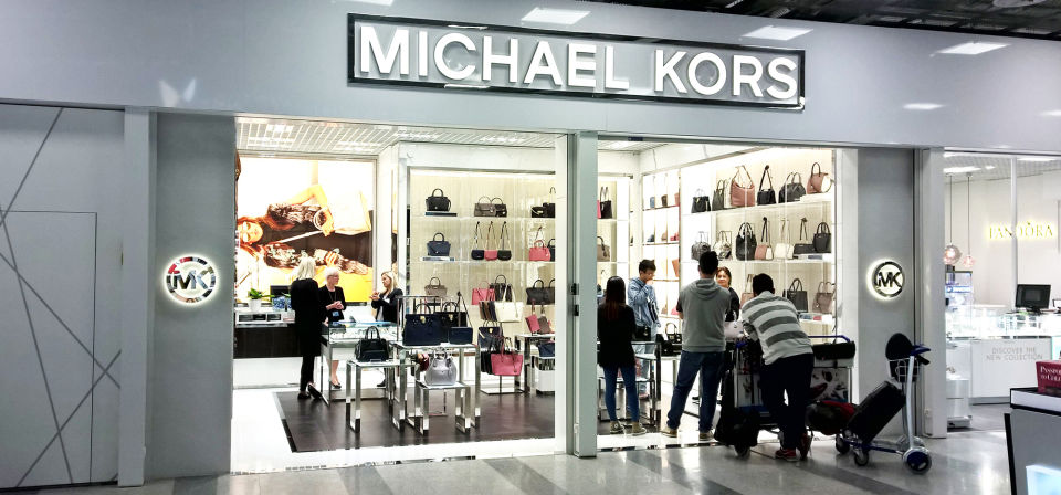 travel pr news michael kors opens store in helsinki airport. Black Bedroom Furniture Sets. Home Design Ideas