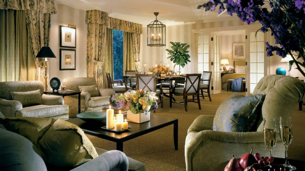 Four Seasons Hotel Boston awarded Five Stars by Forbes Travel Guide for 17 consecutive years