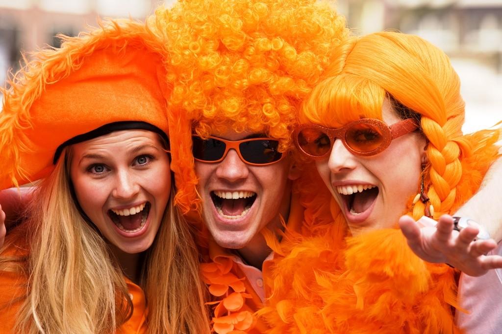 Koningsdagfeest: NS rijdt een speciale Oranjedienstregeling met extra én langere treinen