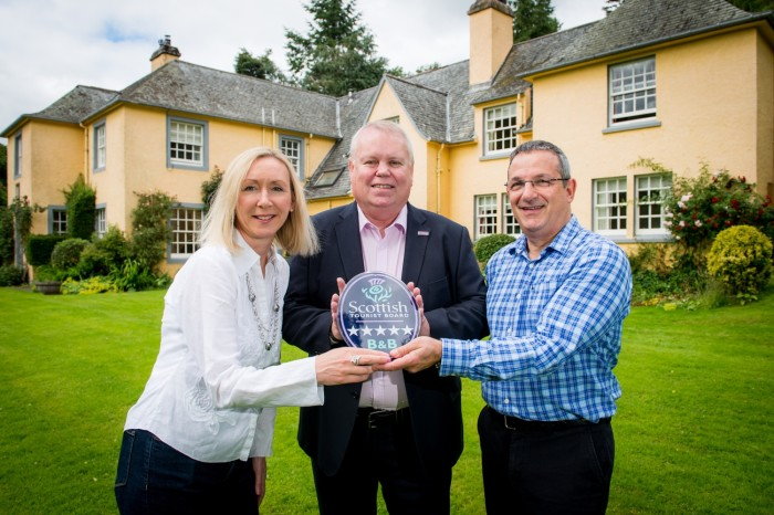 Cuil-an-Duin Country House in Highland Perthshire presented with VisitScotland's Five Star Quality Assurance Award
