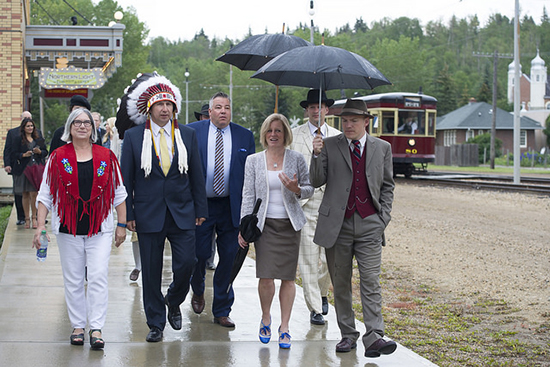 Premier Notley with Fort Edmonton Park representatives. Photo: Government of Alberta