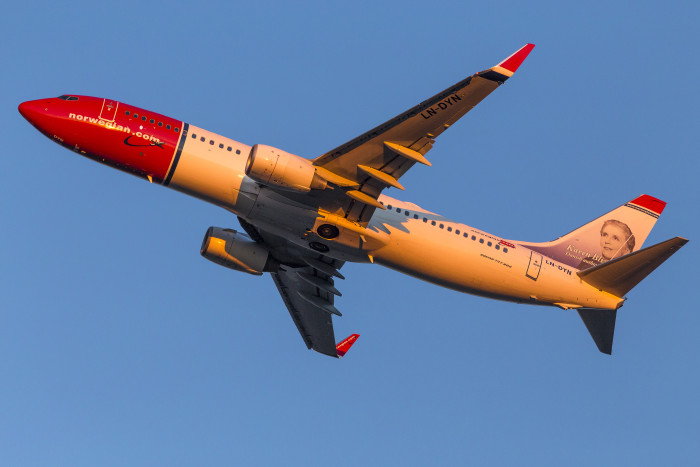 Norwegian signs charter contracts with Apple Vacations and Funjet Vacations to operate routes from the United States to the Caribbean and Mexico