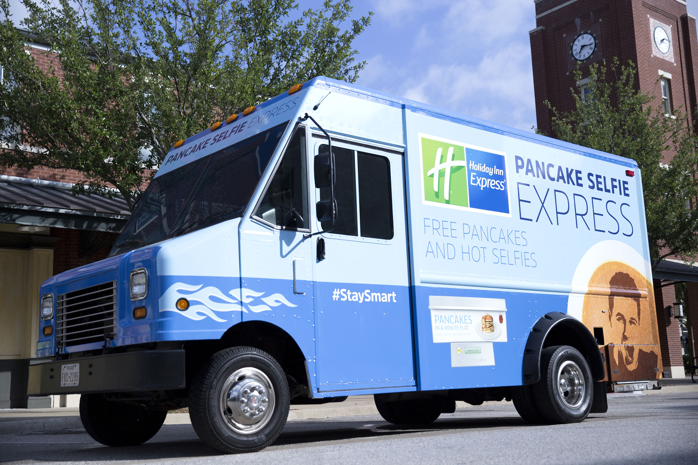 Holiday Inn Express® brand announces Pancake Selfie Express mobile breakfast tour on select Southeastern Conference football games this fall