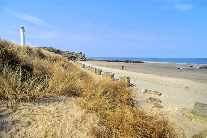 The west beach at Lossiemouth, north of Elgin. Credit: VisitScotland / Paul Tomkins.