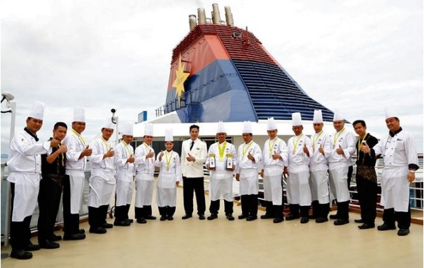 Led by Executive Chef, Mr. Saifol Iskandar Ikhsan (1st from the left), Star Cruises' chef team was awarded two Gold, seven Silver, nine Bronze medals and 11 diploma awards as well as the Most Outstanding Live Cooking Master Chef Award and the Most Outstanding US Potatoes Master Chef Challenge Award at the Battle of the Chefs 2016.