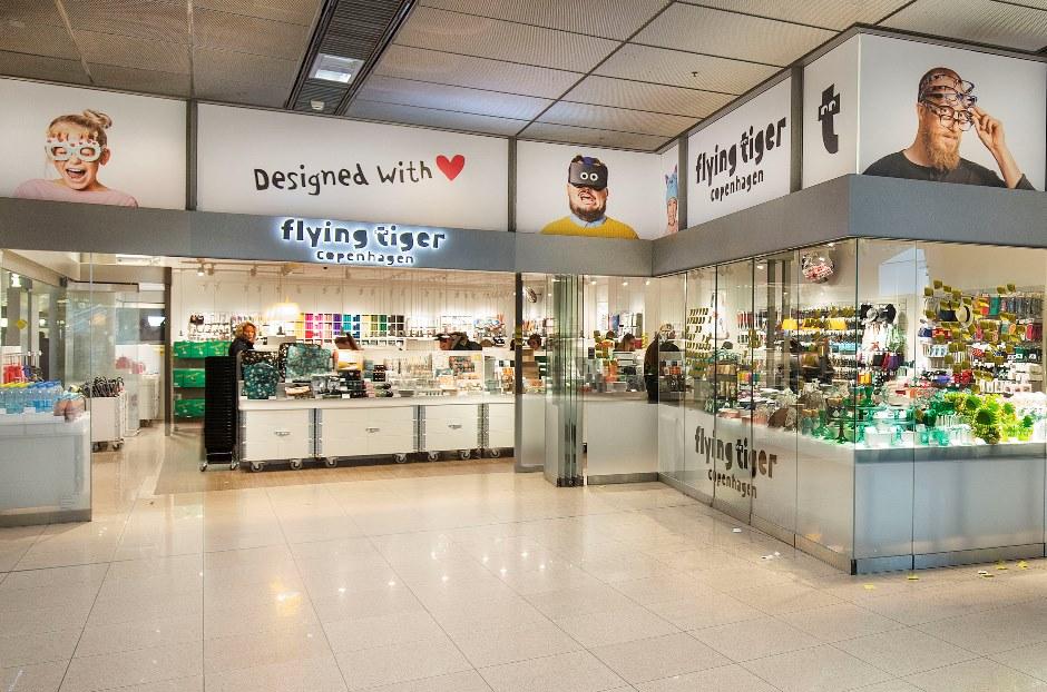 travel pr news flying tiger copenhagen branch store opens at hamburg airport. Black Bedroom Furniture Sets. Home Design Ideas