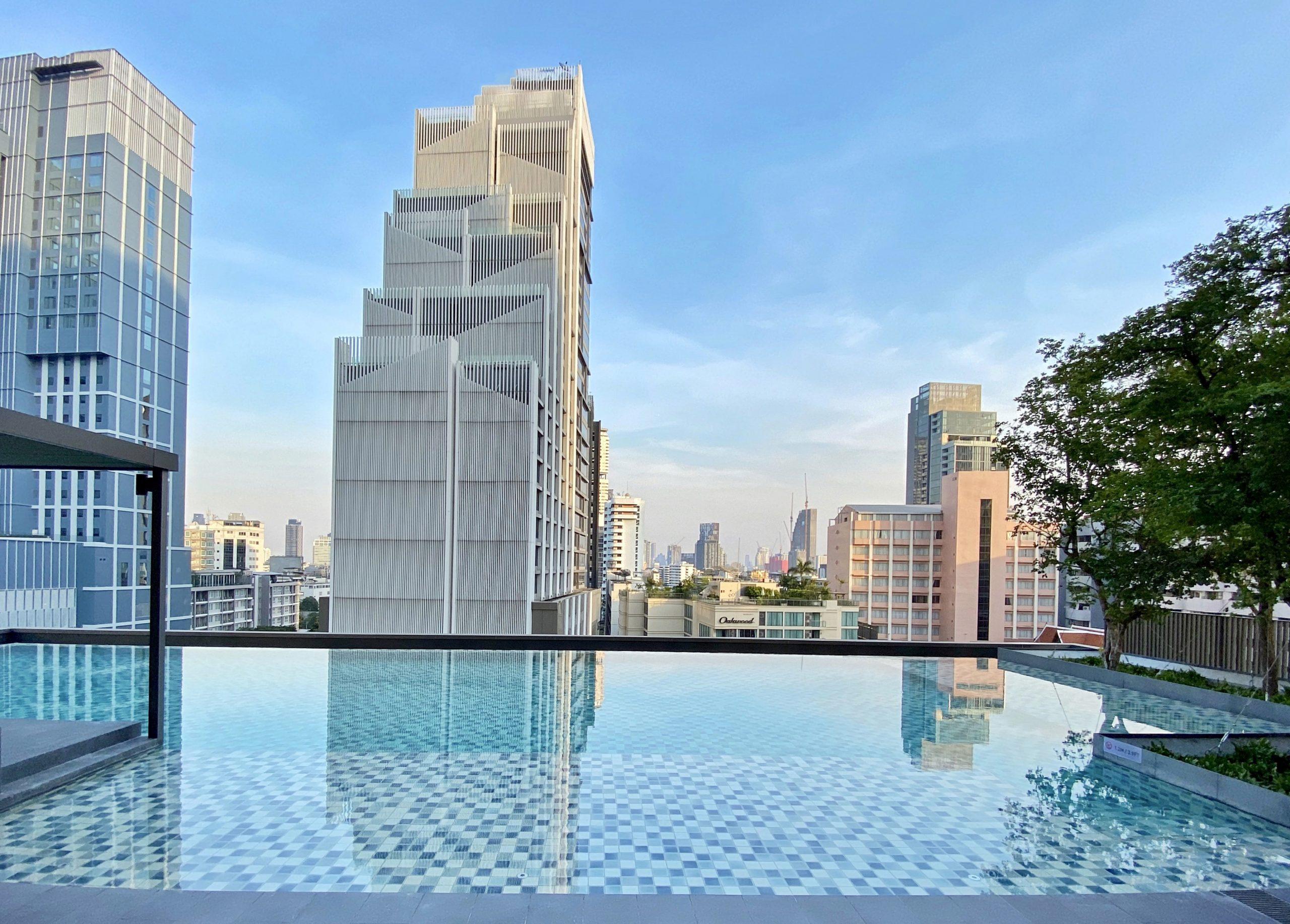 Oakwood Suites Bangkok Infinity Pool