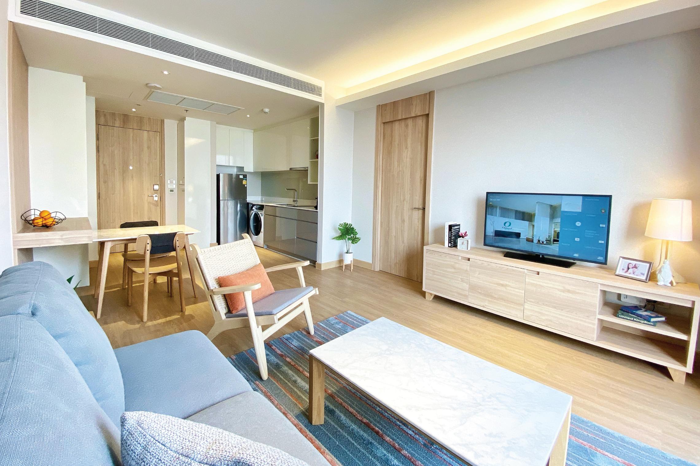 Oakwood Suites Bangkok Living room