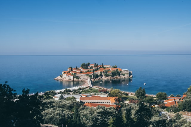 Rent a car in Montenegro this summer